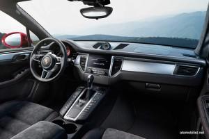 2016-Porsche-Macan-GTS-interior