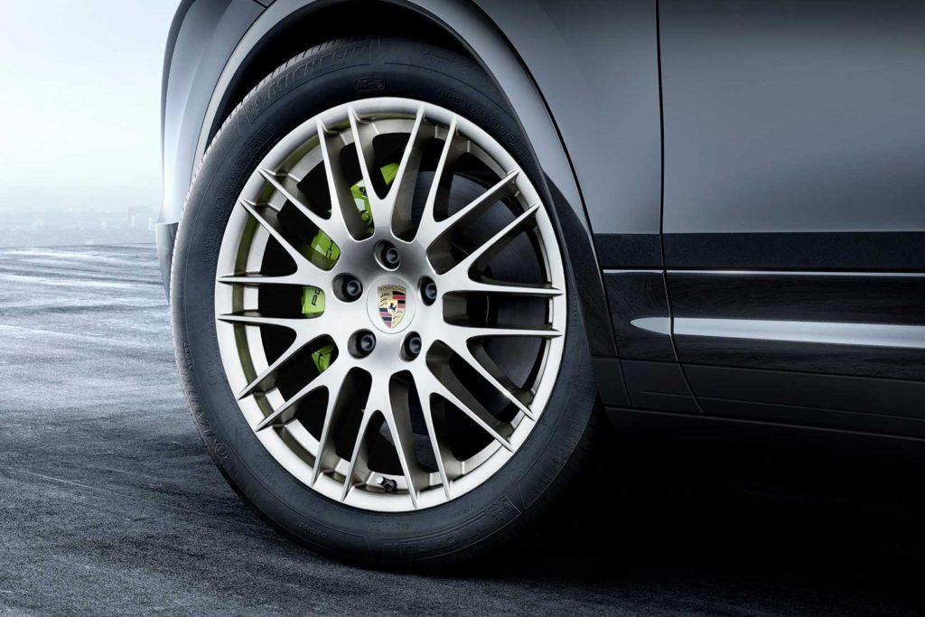 Porsche-Cayenne-Platinum-Edition-wheel