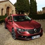 2016-Renault-Talisman-red-kare