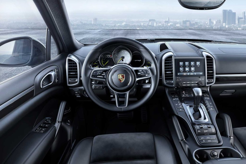 Porsche-Cayenne-Platinum-Edition-dashboard