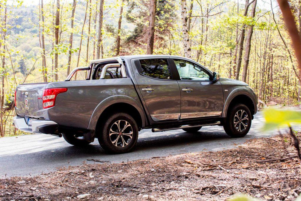 2017-Fiat-Fullback-arka