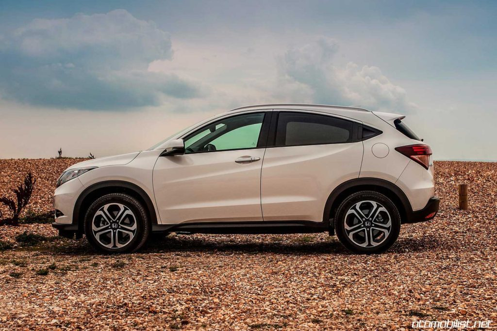 2016-honda-hr-v-side