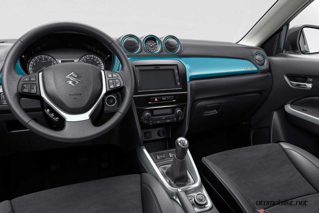 2017-Suzuki-Vitara-interior